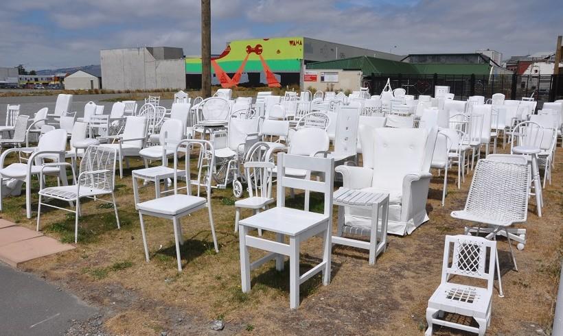 Une chaise blanche pour chaque victime du tremblement de terre de Christchurch