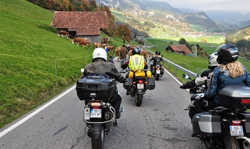 Suisse : circuit moto par monts et par Vaud